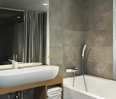 hansgrohe bathroom large.jpg